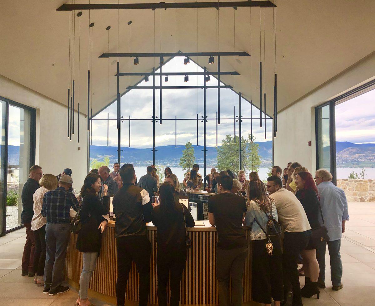 cedar creek winery tasting room
